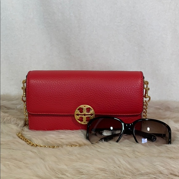 Tory Burch Handbags - Tory Burch Chelsea Chain Pouch in Red